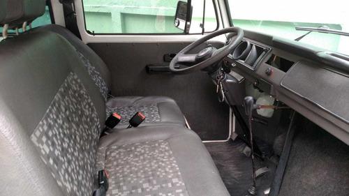 volkswagen kombi 1.4 escolar total flex 3p 2010