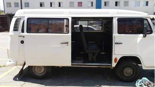 volkswagen kombi 1.6 3p gasolina 2004