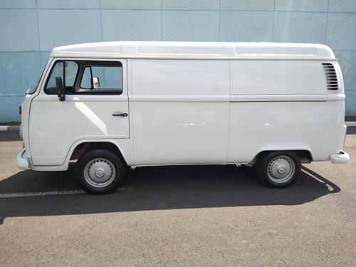 volkswagen kombi 1.6 3p gasolina 2005