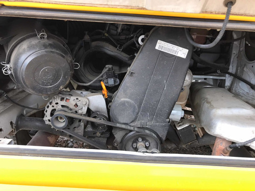volkswagen kombi furgão flex 1.4 2012 super conservada