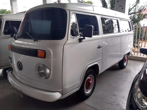 volkswagen kombi standard 1.6(nova serie) 4p   2002