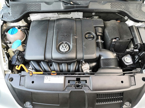 volkswagen new beetle 2013 std.