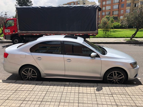 volkswagen new jetta 2.5 trenline