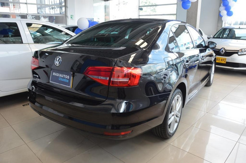 volkswagen new jetta highline 2.5 automatico sedan