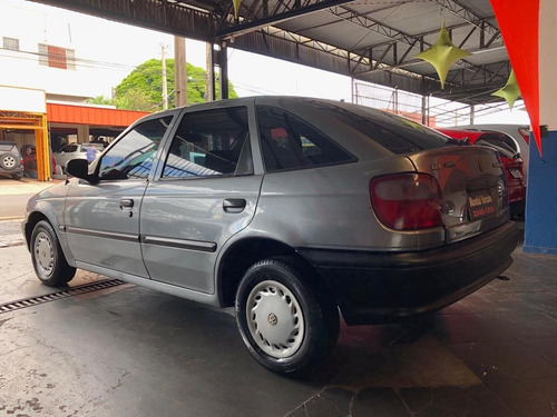 volkswagen pointer 1.8 gli 8v gasolina 4p manual