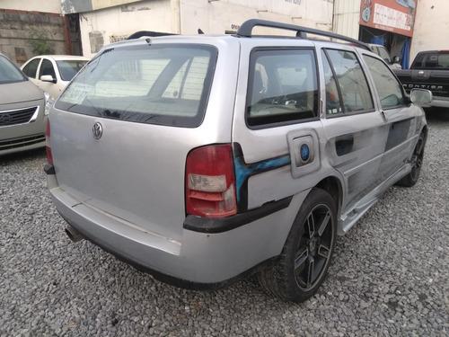 volkswagen pointer 2001