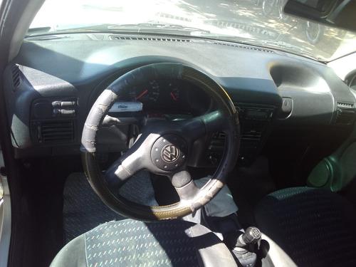volkswagen pointer, motor 1.8 4 puertas blanco