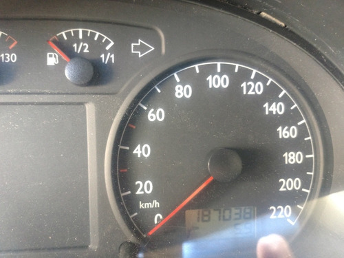 volkswagen polo 1.6 comfortline aa ee cd mt 2006