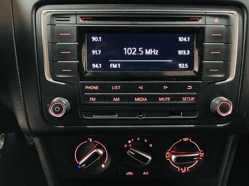 volkswagen polo 1.6 l4 mt 2017