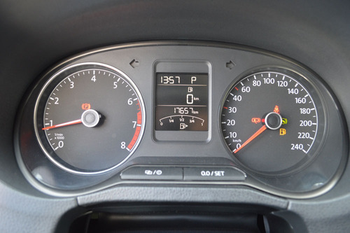 volkswagen polo 1.6 l4 tiptronic at impecable!