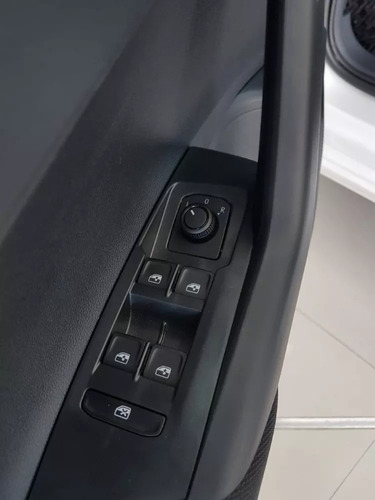 volkswagen polo 1.6 msi trendline manual linea nueva 2020 30