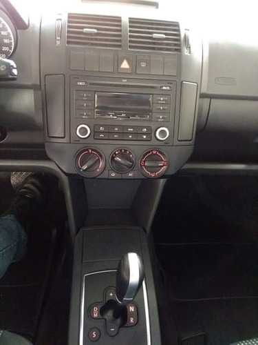 volkswagen polo sedan 1.6 8v 2013