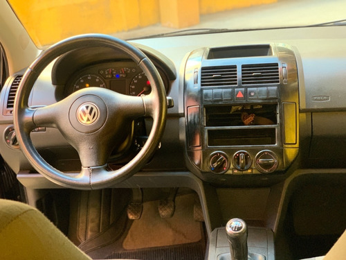 volkswagen polo sedan 1.6 flex completo metro vila prudente