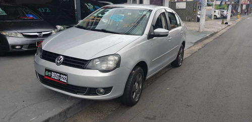 volkswagen polo sedan 1.6 vht comfortline total flex 4p 2013