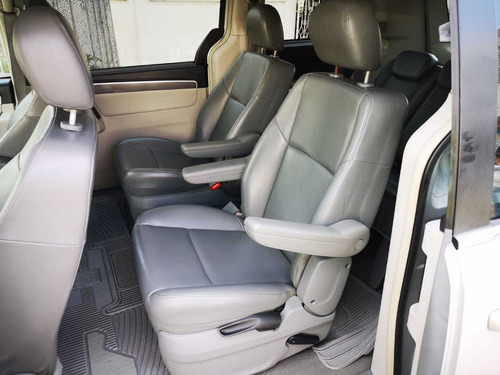 volkswagen routan 3.8 exclusive at 2009