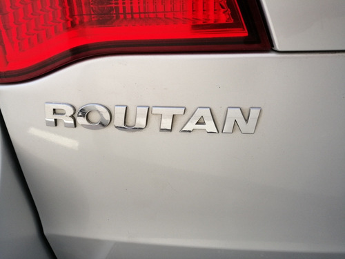 volkswagen routan 3.8 exclusive entretenimiento at 2009