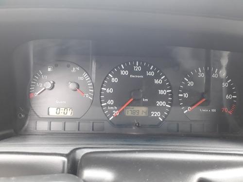 volkswagen santana 2.0 4p 2002