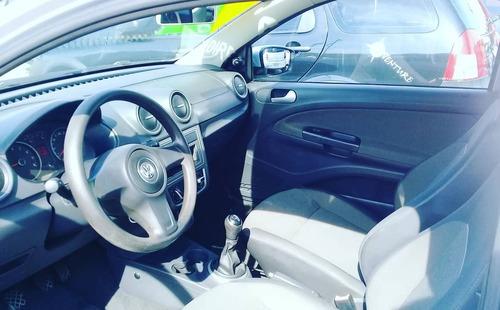 volkswagen saveiro 1.6 cab. simples total flex 2p 2014
