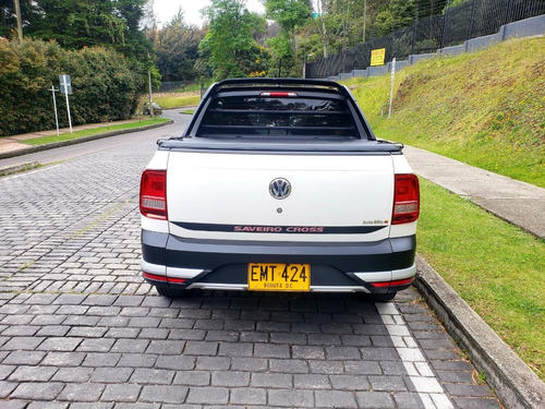 volkswagen saveiro cross 1600cc mt 4x2 abs