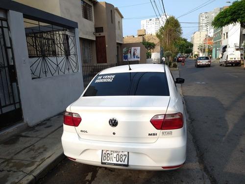 volkswagen sedán blanco