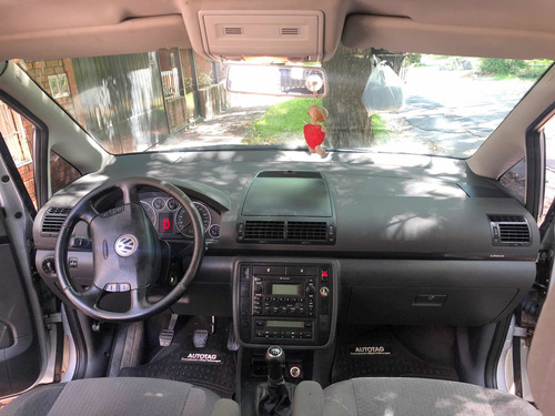 volkswagen sharan 1.9 tdi highline 2010 plateada  7 asientos