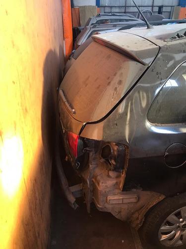 volkswagen suran chocada con 04 alta de motor