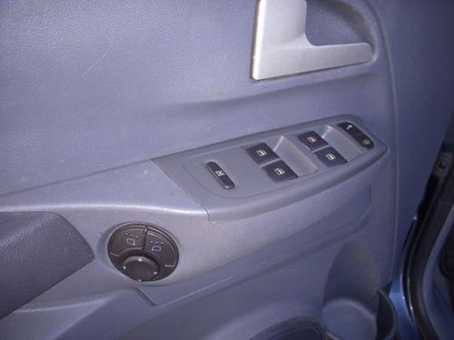 volkswagen suran highline 90e cuero 1.6 5p 2008