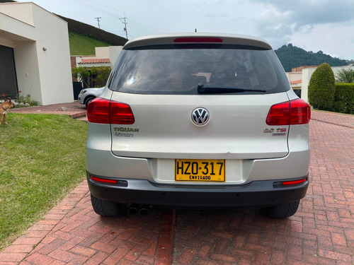 volkswagen tiguan sport and style at tsi turbo