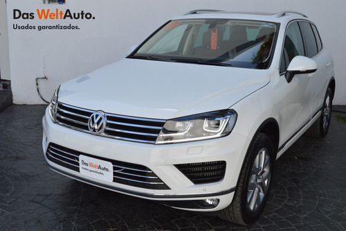 volkswagen touareg 3.0 v6 tdi at impecable!