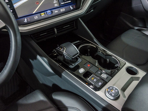 volkswagen touareg 3.0l v6 tdi limited