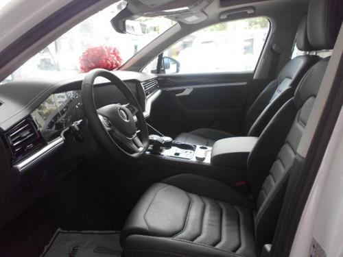 volkswagen touareg luxury 3.0 tsi 8at