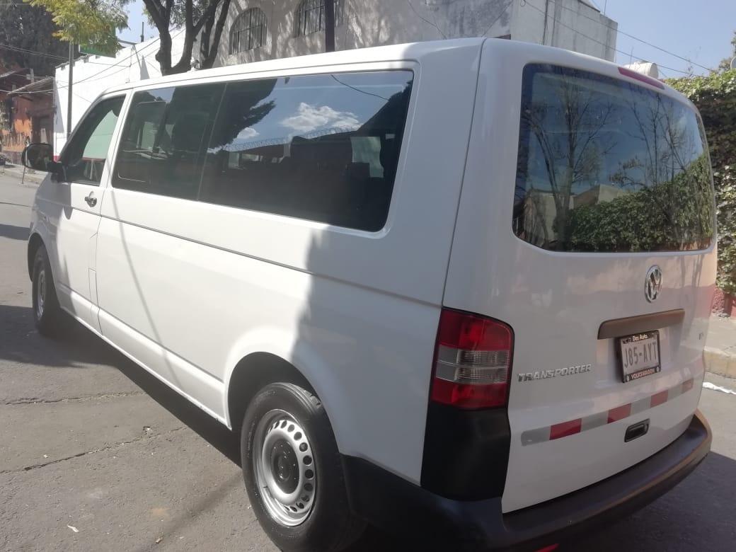 Volkswagen Transporter 20 9pas Mt 2014 Con Muy Poco Uso