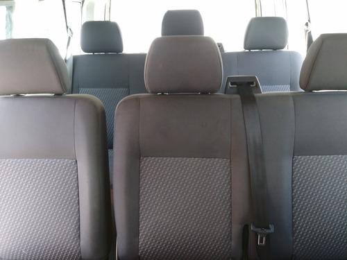 volkswagen transporter 2.0 9pas mt 2015