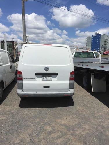 volkswagen transporter 2.0 cargo mt 2010