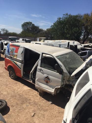 volkswagen transporter 2011 accidentada por partes