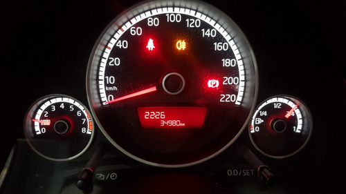 volkswagen up move tsi 2017 com apenas 34.900 kms