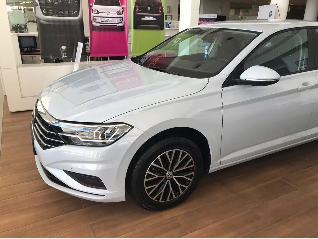 Volkswagen Vento 1 4 Comfortline 150cv At 0km 2019 Blanco