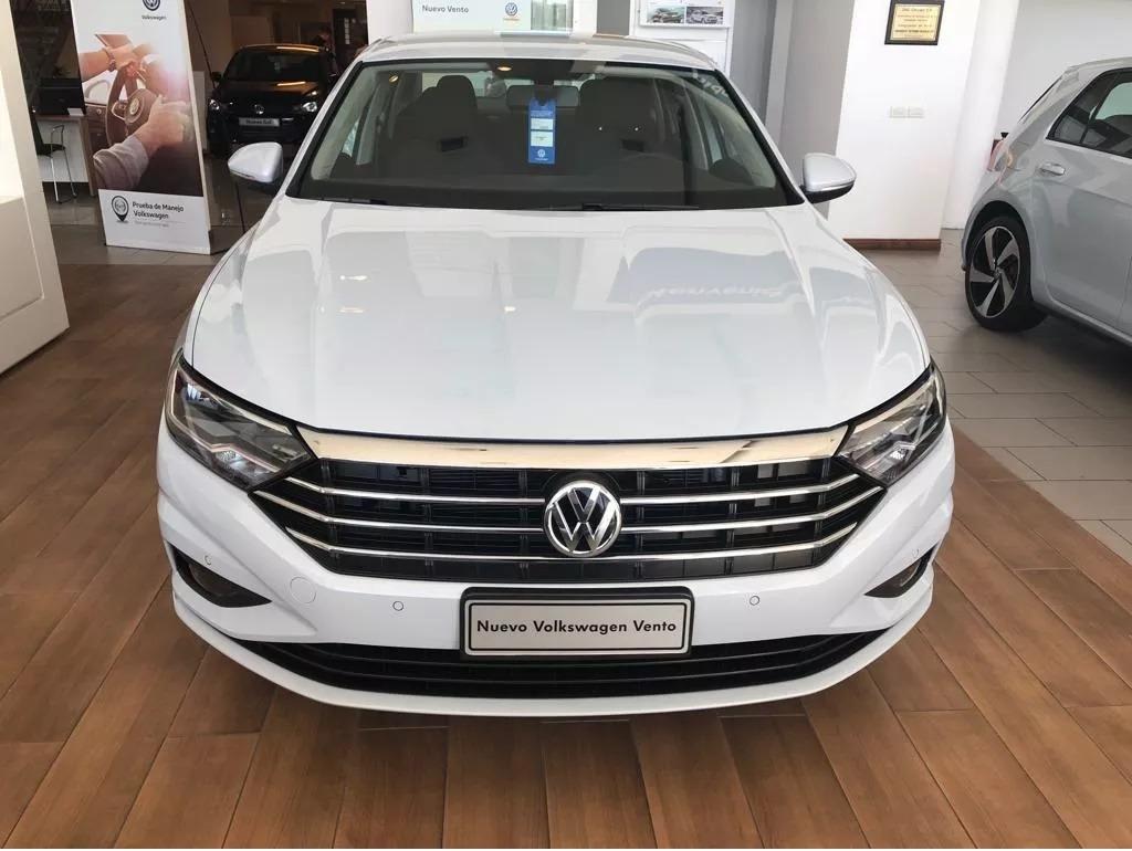 Volkswagen Vento 1 4 Comfortline 150cv Tsi At 2019 969 000 En