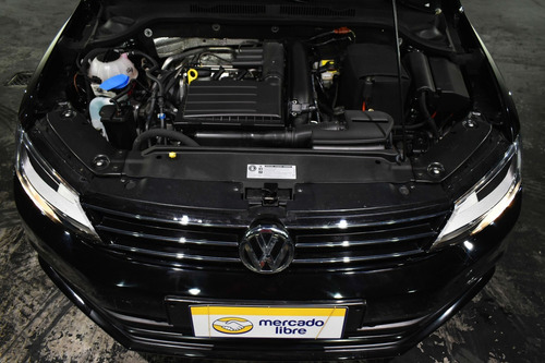 volkswagen vento 1.4 tsi highline 150cv at 2017 rpm moviles