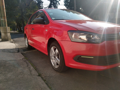 volkswagen vento 1.6 active at 2015