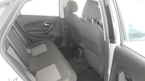 volkswagen vento 1.6 confortline at 014489
