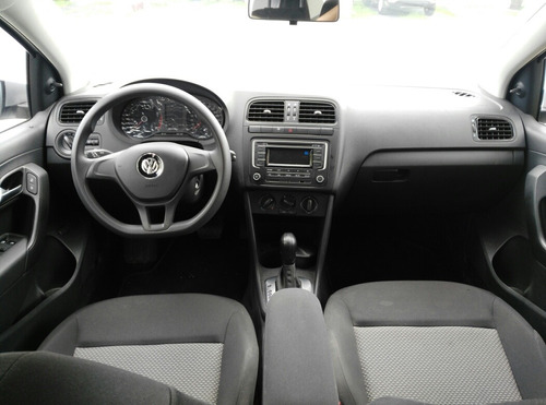 volkswagen vento 1.6 confortline at 2018