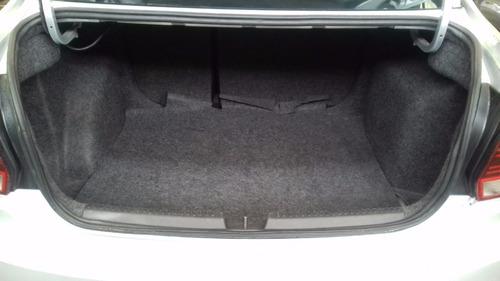 volkswagen vento 1.6 confortline at aa rines de aluminio