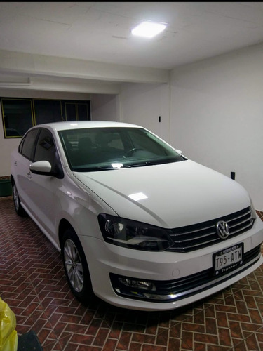 volkswagen vento 1.6 highline at 2016