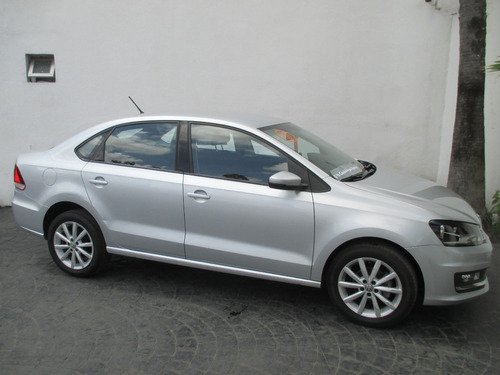 volkswagen vento 1.6 highline at impecable!