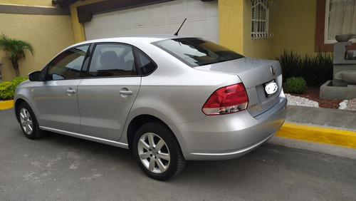 volkswagen vento 1.6 highline mt 2014