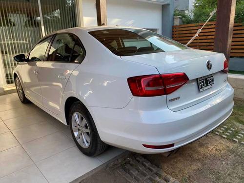 volkswagen vento 2.0 advance i 110cv summer package 2015