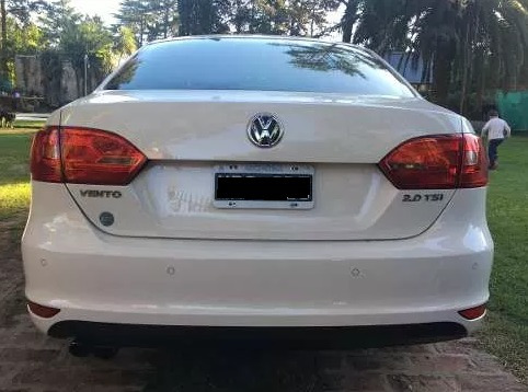 volkswagen vento  2.0 tsi manual