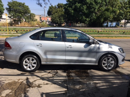 volkswagen vento 2014 1.6 style at