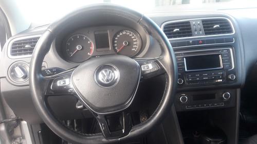 volkswagen vento 2015 motor 1.6 color plata,tm,uni.dueño..